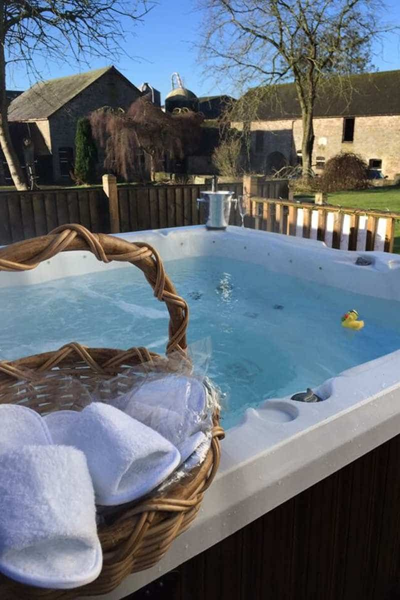 hot tub holidays, places to stay in wales, b&b brecon